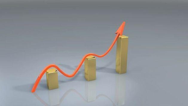 Доллар и евро пробили полугодовые максимумы