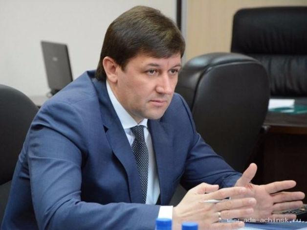 Губернатор Красноярского края Виктор Толоконский уволил своего советника