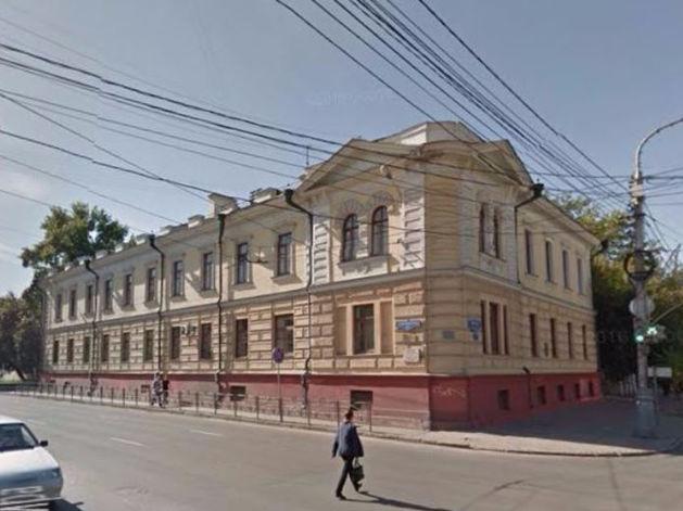 Здания больницы в центре Красноярска продали с четвертого раза