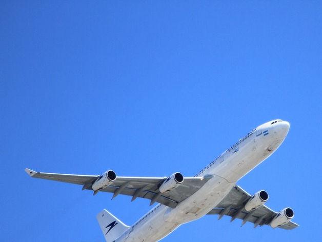 В «Емельяново» проводили 1,5-миллионного пассажира: летать стали меньше