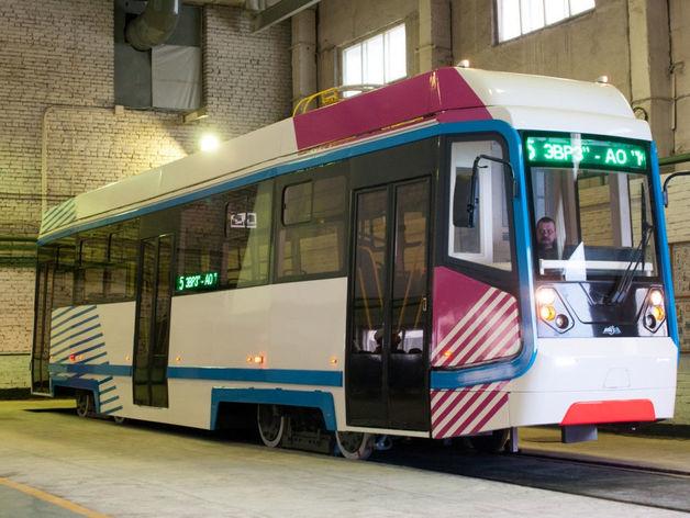 ЭВРЗ обновил один из городских трамваев в Красноярске