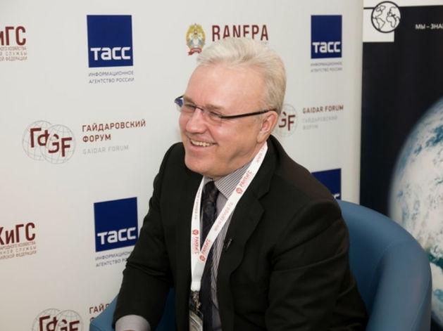 Александр Усс предложил создать единую систему управления авиационными предприятиями края