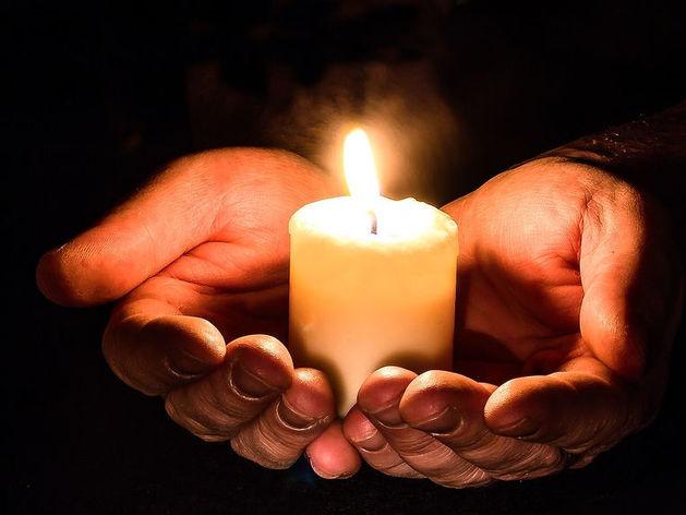 Красноярцы зажгут свечи в память о погибших в Кемерове