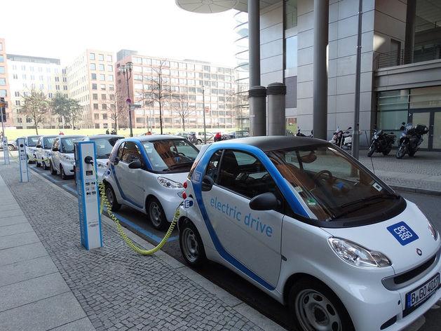 AutoTech набирает скорости. Как автобизнесу «вырулить» в эпоху каршеринга и электрокаров
