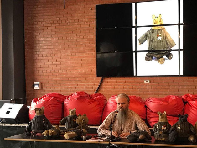Василий Слонов: «Игрушки-инвалиды  — средство против инфантилизма поколения»