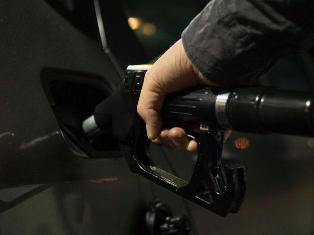 Статистики зафиксировали резкий рост цен на бензин в Красноярском крае: где еще дороже