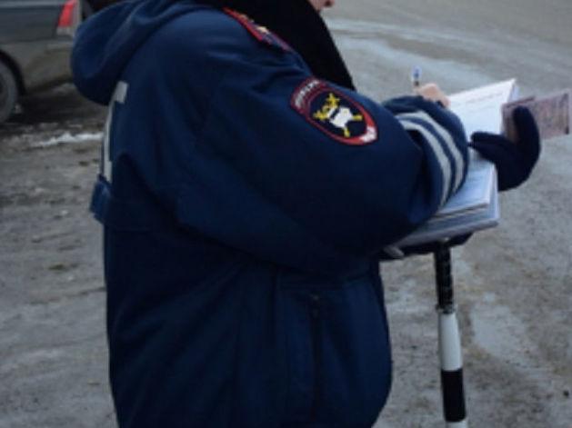 В Красноярске при столкновении перевернулся автомобиль
