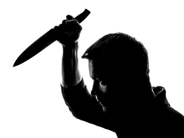 В Красноярском крае глава Заледеевского сельсовета набросился с ножом на депутата