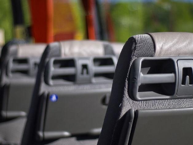 В Красноярске водитель иномарки погиб, врезавшись в автобус с пассажирами