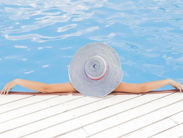 Подсчитано, сколько красноярцы тратят на отдыхе за границей
