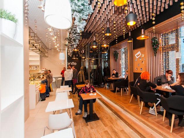 Три друга детства открыли в Красноярске концептуальное кафе