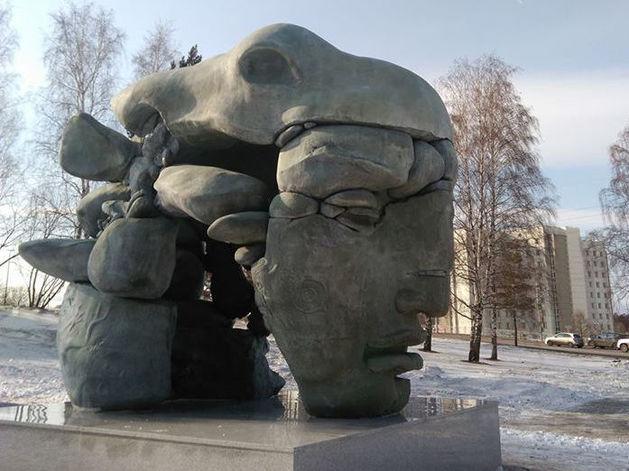 Сегодня торжественное открытие в Красноярске скульптуры Даши Намдакова «Трансформация»