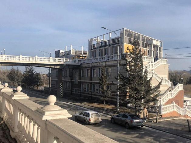 Кафе на виадуке за парком Горького в Красноярске снесут