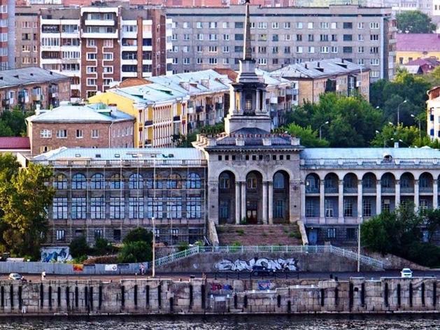 На набережной около речного вокзала в Красноярске может появиться еще одно здание