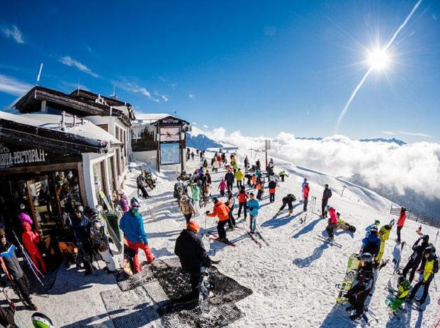 Зима в горах у моря: стартовали продажи прямых туров из Красноярска на курорт «Роза Хутор»