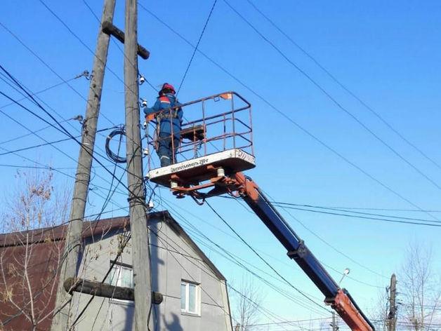 Устраняли порывы всю ночь: энергетики перешли на особый режим работы
