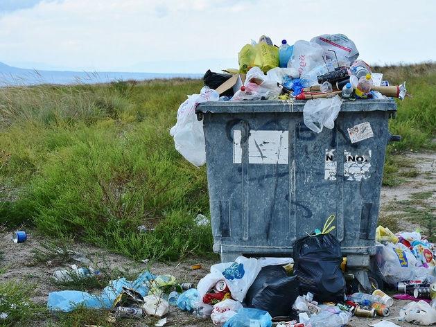 Региональные мусорные операторы начали судиться с красноярцами и компаниями