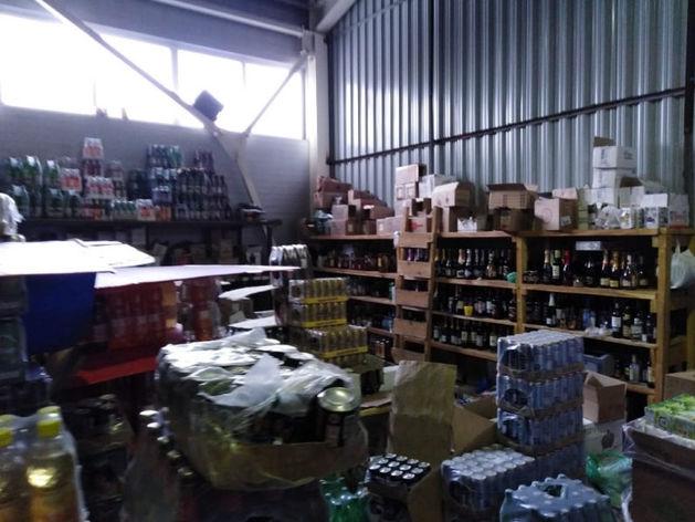 Полиция накрыла склад с контрафактным алкоголем в Красноярске