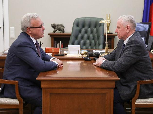 Губернатор Красноярского края Александр Усс принял отставки четырех глав районов