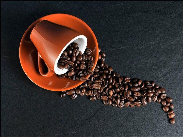 Представители бизнеса Красноярска помогли в покупке кофемашины для сотрудников БСМП