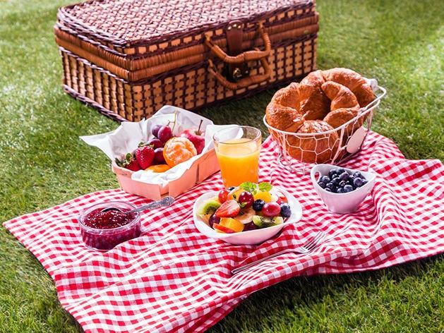 На острове Отдыха благоустроили площадку для пикников