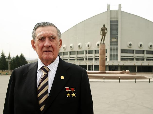 В Москве скончался бывший глава Красноярского края Владимир Долгих