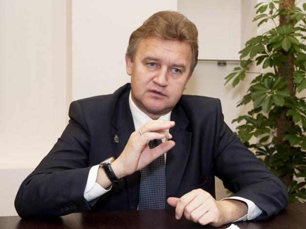 Глава минздрава Хакасии Виктор Шевченко подал в отставку