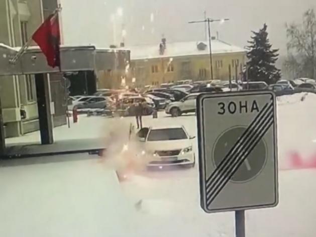 Полиция показала видео «обстрела» машины спикера Горсовета