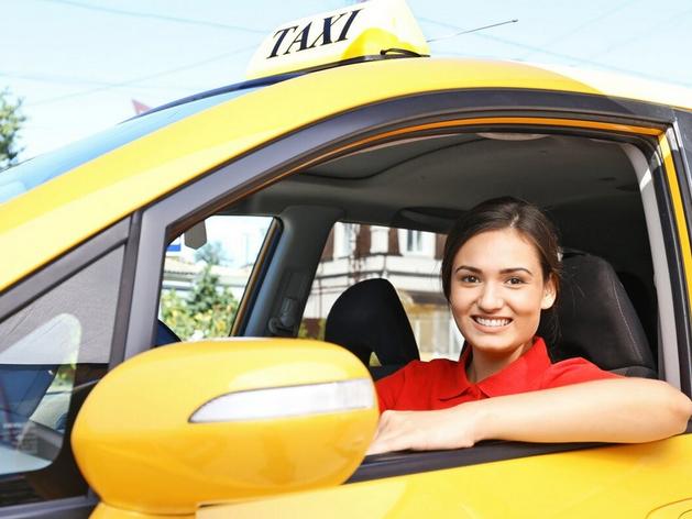 «Критика и отказы»: красноярские женщины-таксисты рассказали о своей работе