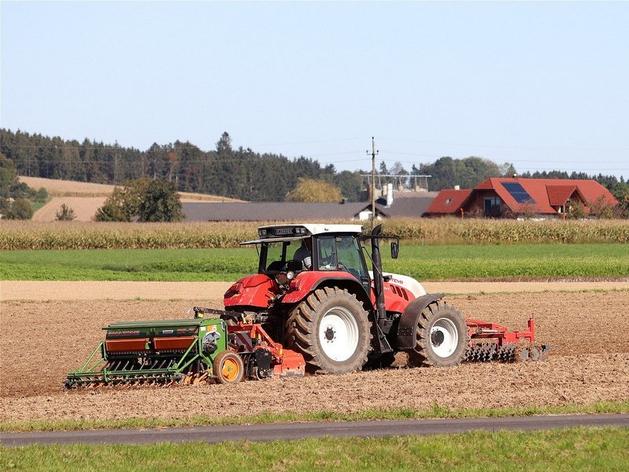 Аграриям Красноярского края помогли с покупкой семян, удобрений и топлива