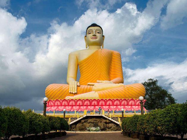 В Туве установят статую Будды в позе лотоса