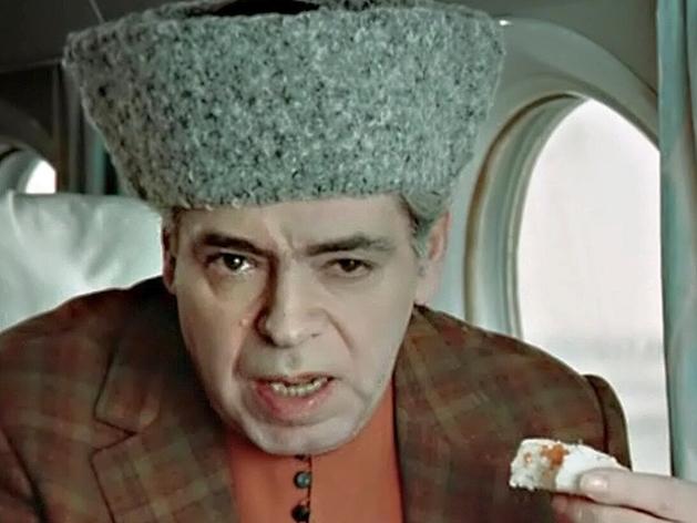 Кадр из сатирической комедии «Люди и манекены» в исполнении Аркадия Райкина, 1974 год.