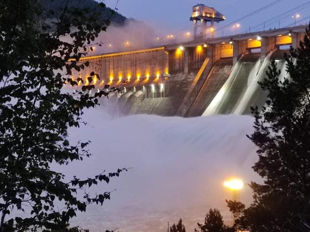 Красноярская ГЭС снижает объем пропуска воды