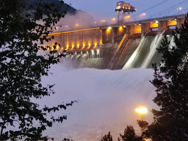 Уровень воды в Енисее упал на 22 сантиметра за сутки