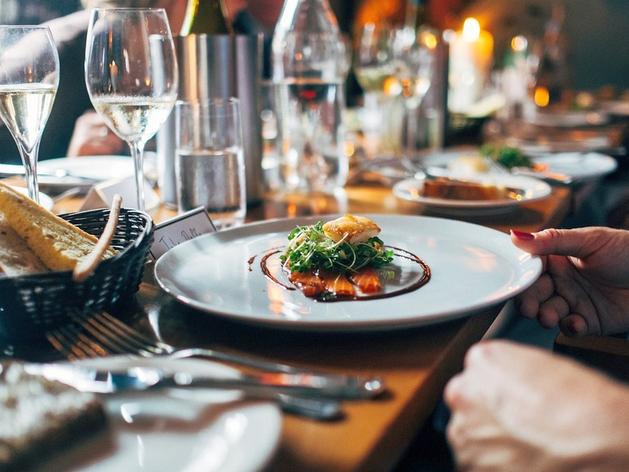 Кухню двух красноярских ресторанов назвали одной из интереснейших в России