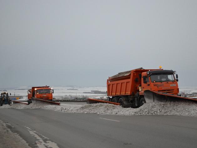 На дороги Енисейской Сибири вышла спецтехника