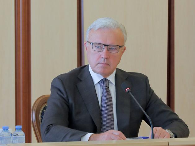 Александр Усс попросил депутатов помочь сделать Красноярск столицей Арктики