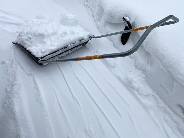Дороги Красноярска от снега будут чистить 200 единиц техники